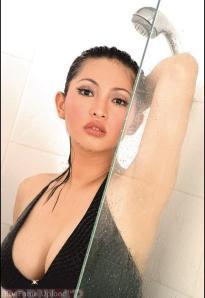 Gambar Model Hot Popular Putri Putratian di Kamar Mandi