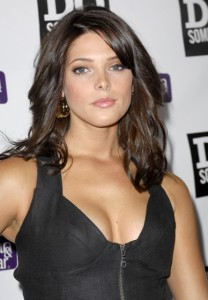 Ashley Greene Scandal Pictures Spreading at the Internet